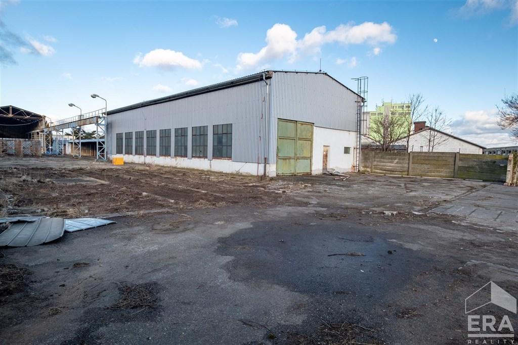Prodej montované haly a přístřešku, pozemek 3150 m2, Pečky okr. Kolín