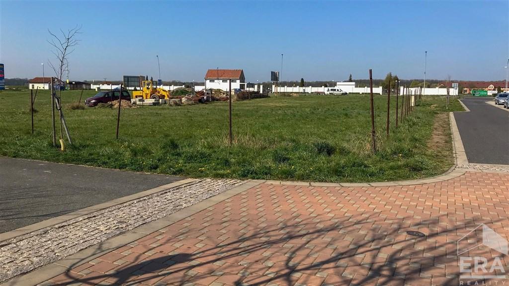 Stavební parcela 1257 m2, zóna obytné i občanské vybavenosti, Velký Osek