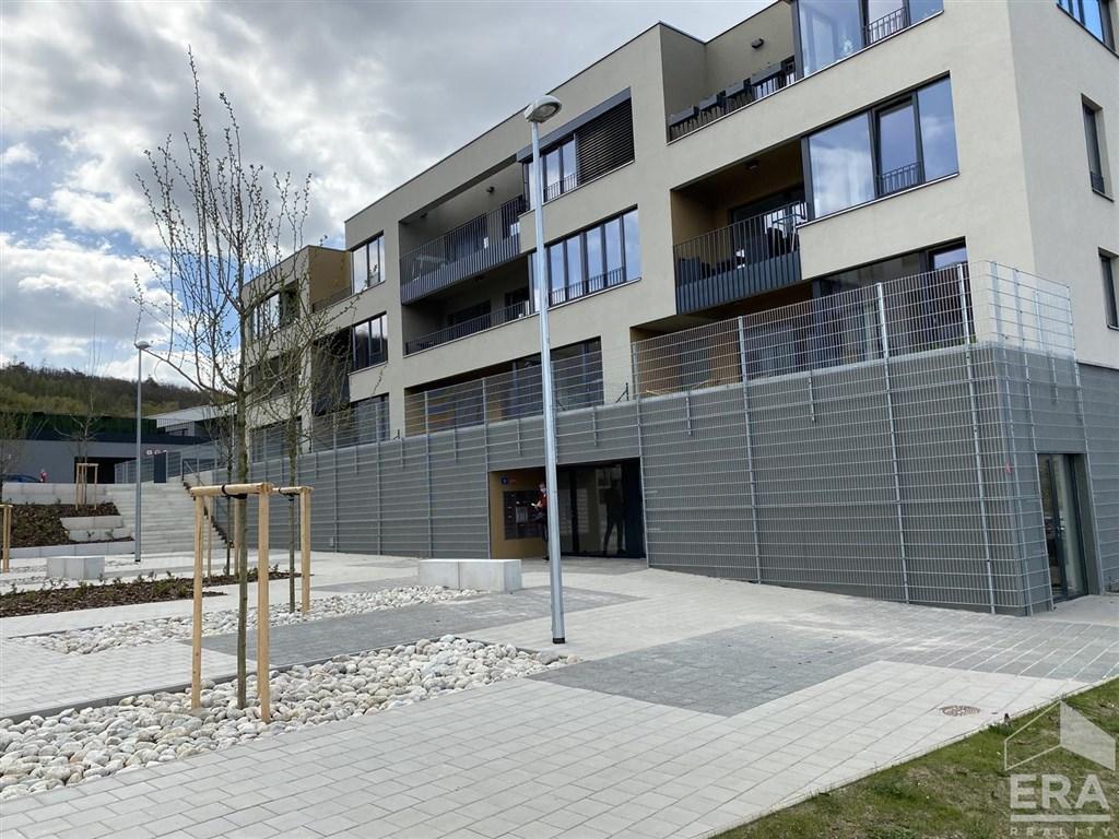 Pronájem bytu 2+kk/B, 58 m2, gar. stání, novostavba, Praha 4 – projekt Modřanský háj