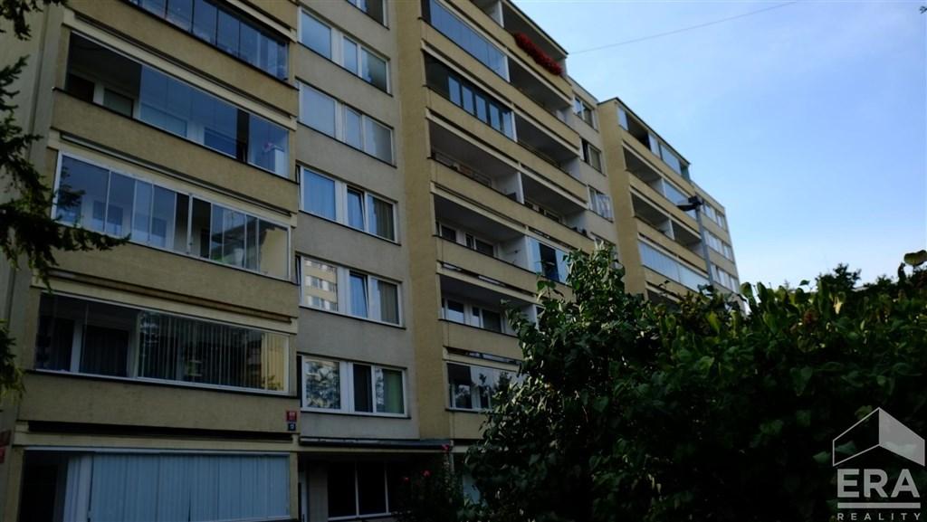 Exclusivní nabídka bytu 3+kk + lodžie, 59 m2,panel, v atraktivní lokalitě Karlín-Invalidovna  U Sluncové                                                                                                                                     Cena: 4 590 000 Kč