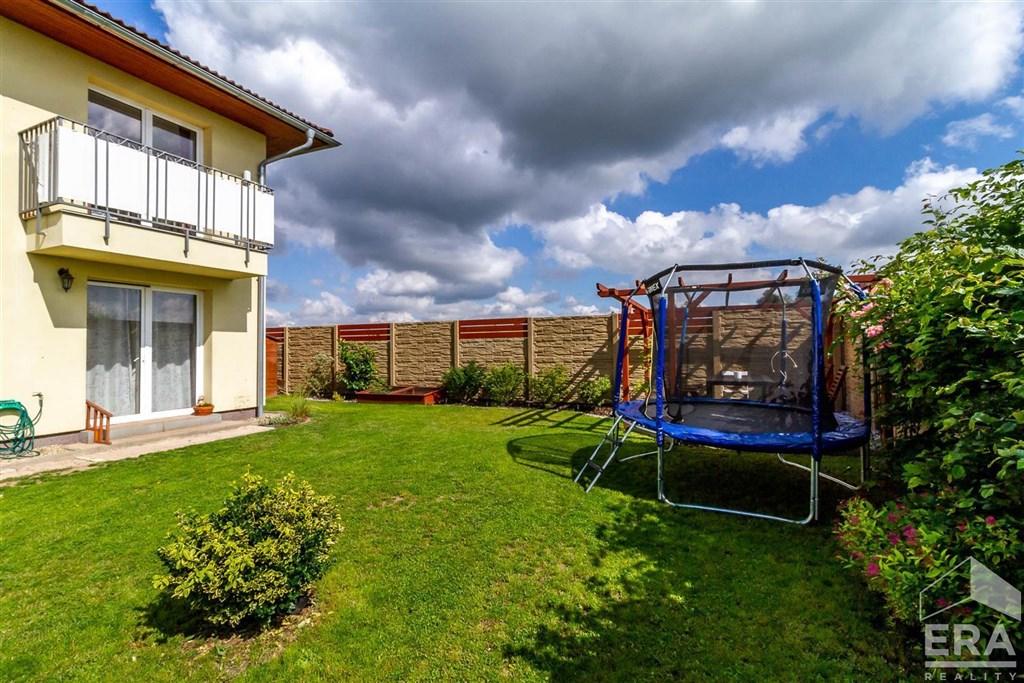 Prodej bytu 3+kk/B, 85m2, předzahrádka, Velké Přílepy