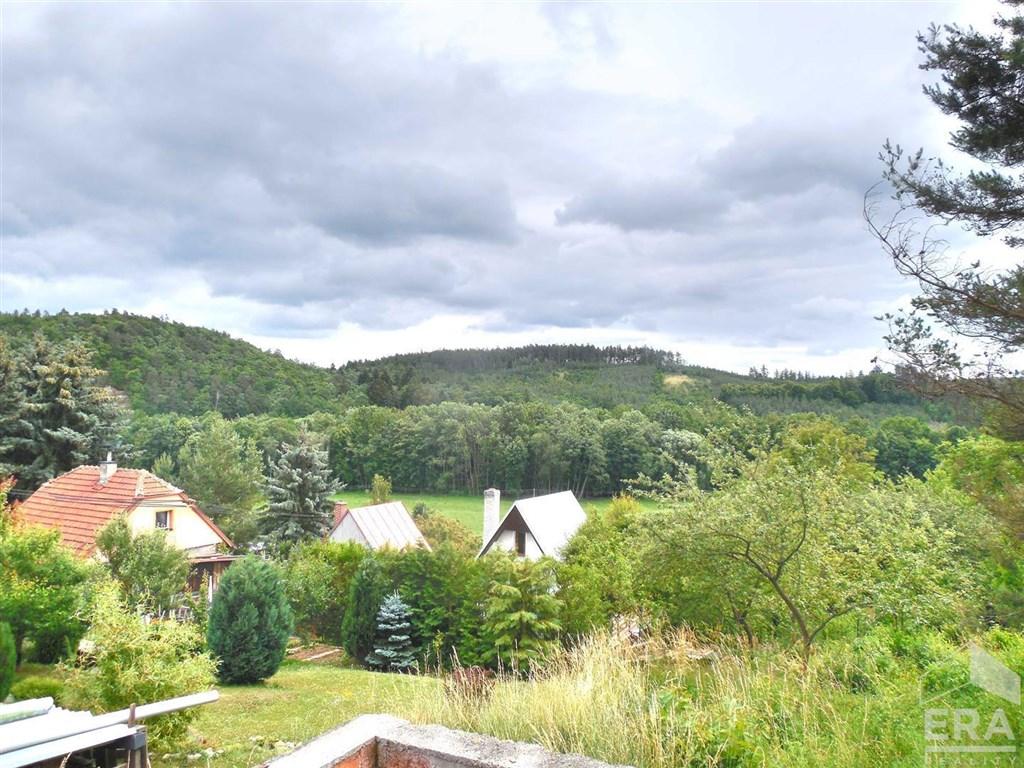 Pozemek k výstavbě chaty, 423m2 – Bělecký mlýn