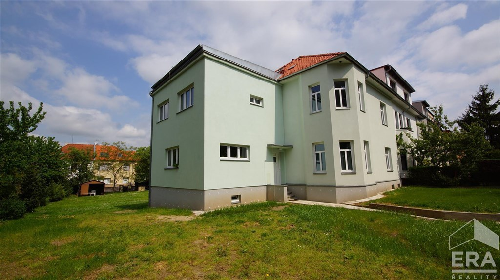 Pronájem 1+kk, 36 m2, ul. Zvonická 21, Praha 6 Dejvice