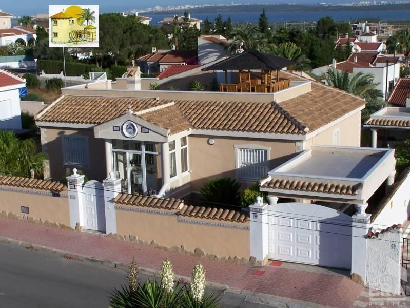 Vila 4+1, dvě koupelny, Španělsko, městečko Rojales-ciuada Quesada, oblast Alicante