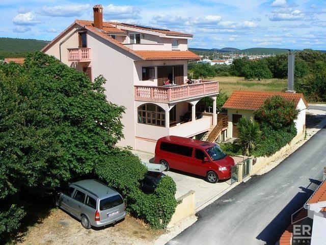 Apartmánový dům u Jadranu,OV/T/B/BZ, 6 APT, Chorvatsko, oblast Zadar, městečko Bibinje.