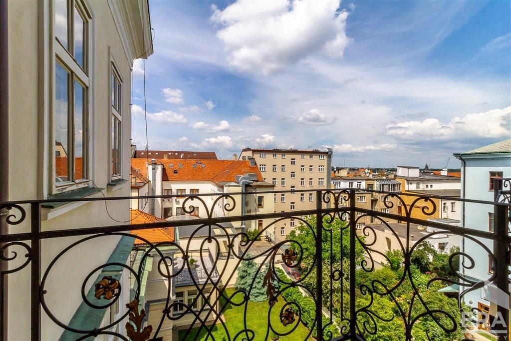 Dlouhodobý pronájem bytu 2+1, 62m2 + balkon, Praha 1 Nové Město