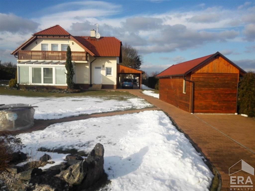 Prodej dvoupodlažního domu 5+kk v Úněticích u Blovic.