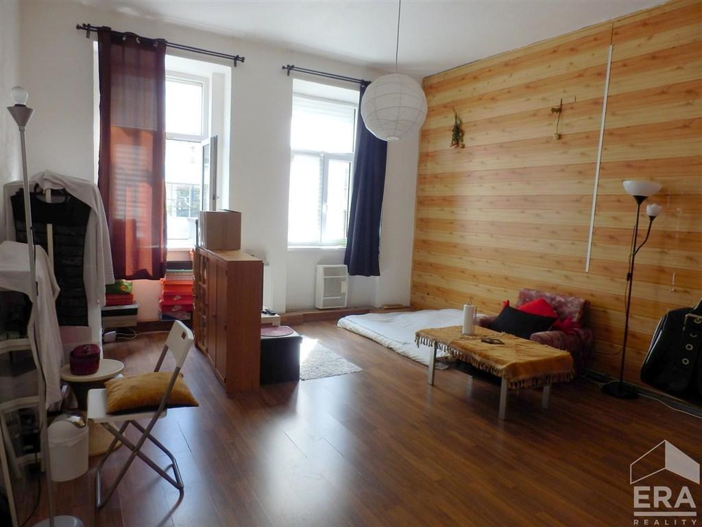 Byt 2kk, 65 m2, nezařízený, Praha 7 Holešovice