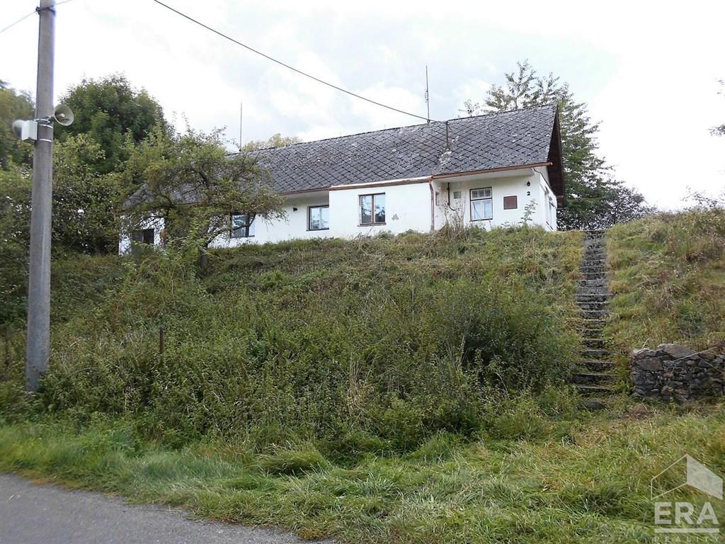 Prodej staršího domku 2+1 v obci Hráz u Švihova.