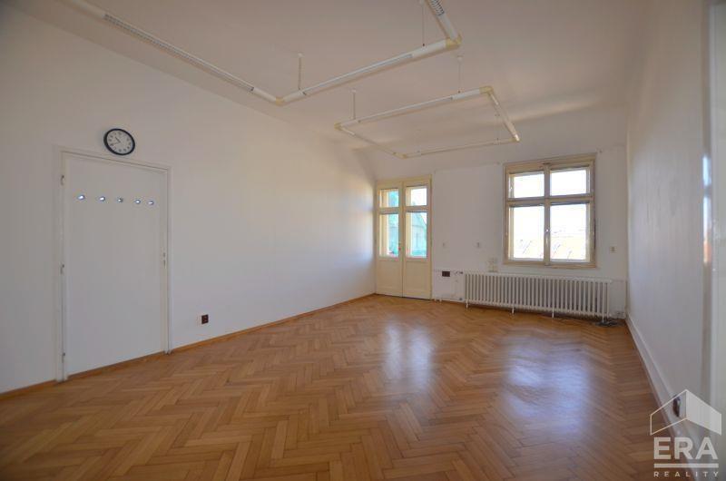 Pronájem kanceláře 20m2, Senovážné náměstí Praha 1