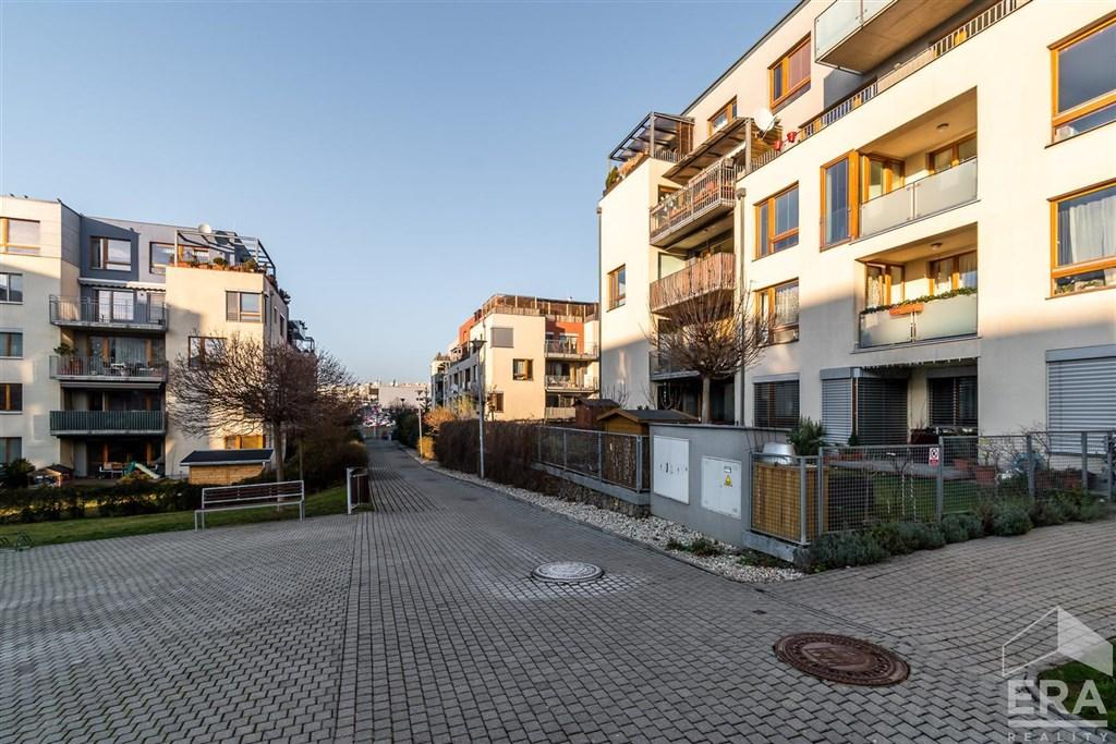 Prodej hezkého prostorného bytu  2+kk
