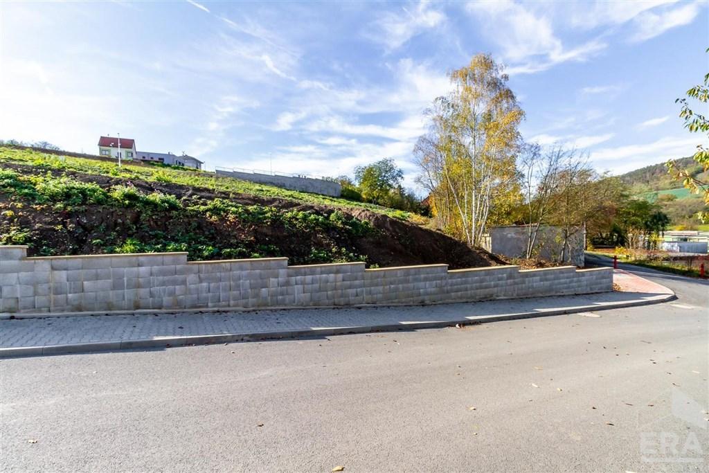 Prodej stavebního pozemku 878m2 v Berouně