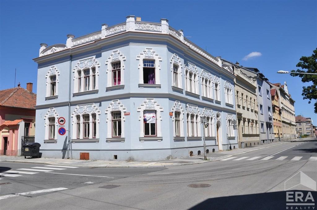 Prodej  domu s komerčním prostorem, Strakonice