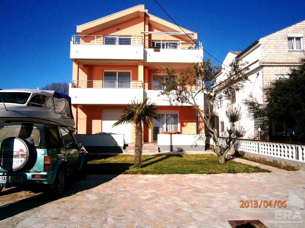 Prodej novostavby apartmánu přímo u moře, 3+kk, 135m2/OV/ T/G, Chorvatsko, Zadarska župa, městečko Bibinje