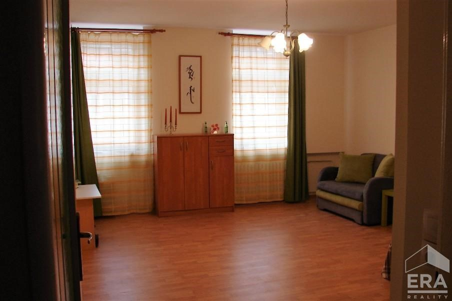Zrekonstruovaný byt na prodej,  1+1, K. Vary
