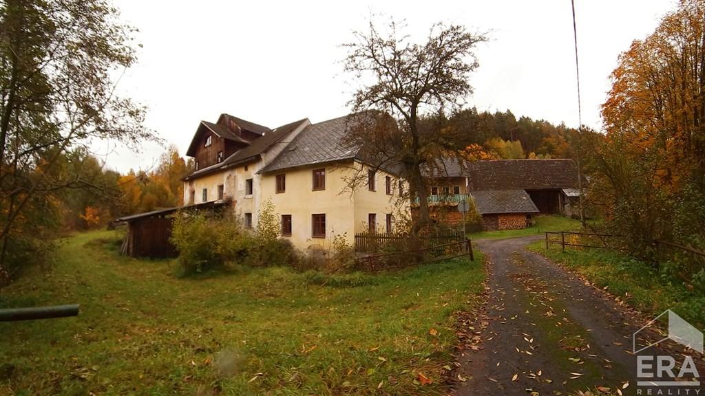Prodej původního mlýna s pilou, v obci Bohumileč, Český Dub