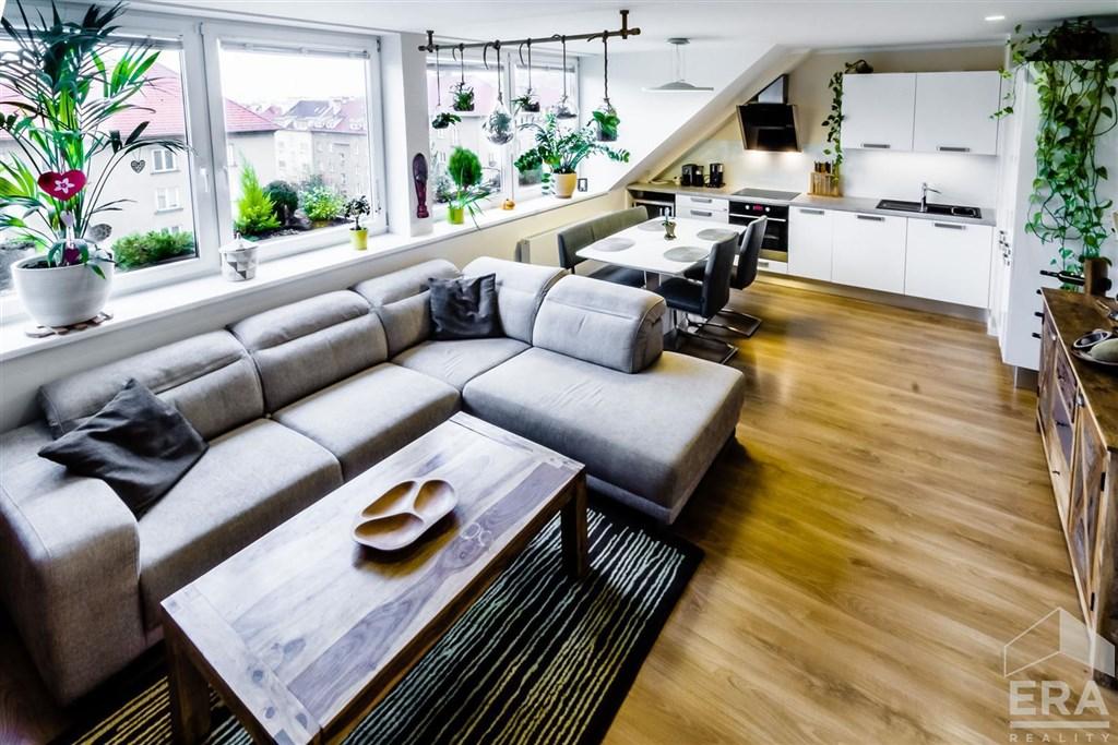 Luxusní byt 3+kk, 70 m2,OV, možnost pronájmu garáže, u metra, Praha 6 Vokovice
