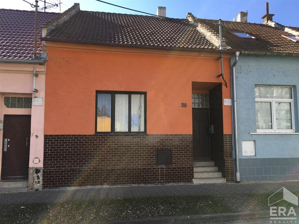 Prodej RD 2+1 Hodoníně s pozemkem 149 m2 ulice Husova