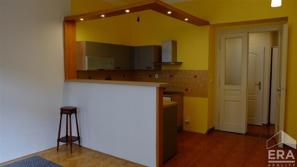 Pronájem bytu 2+kk v atraktivní lokalitě u Anděla, za 11 990 Kč,  Ul. Kováků, Praha 5 –Smíchov                                                                 11 990Kč/měs
