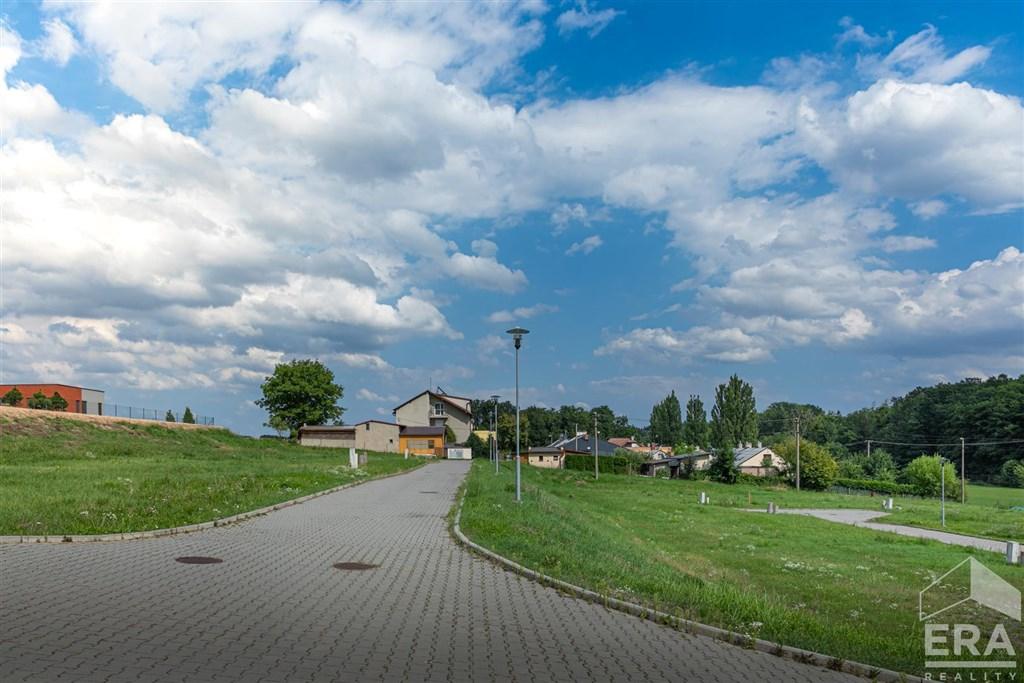Prodej stavebního pozemku 842 m²