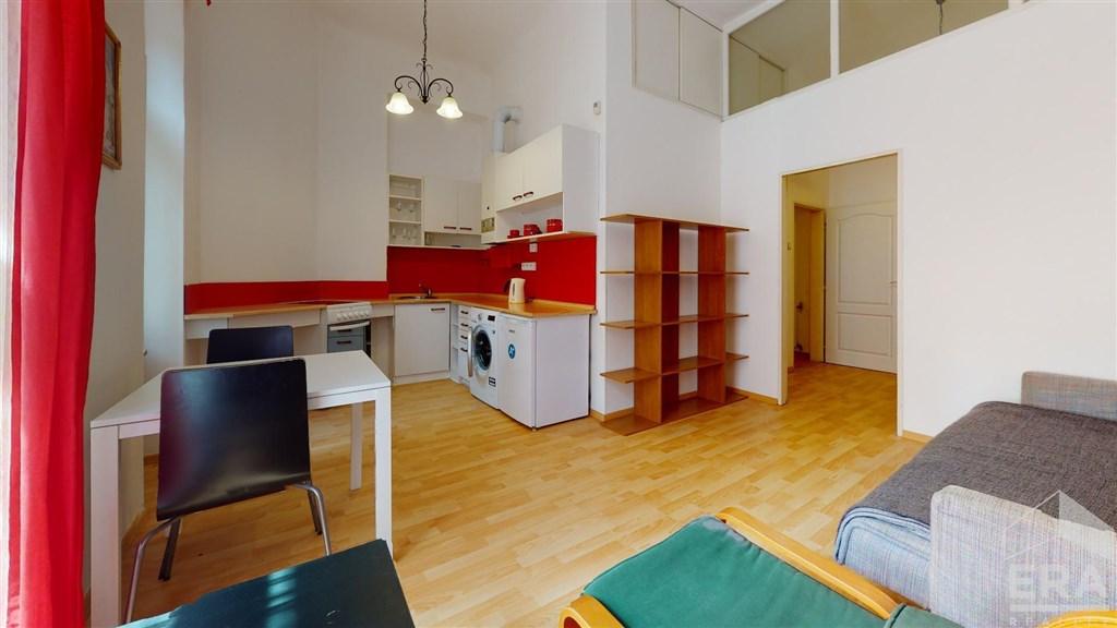 Pronájem bytu 1+kk, 35 m2, ul. Vinohradská 32, Praha 2 – Vinohrady