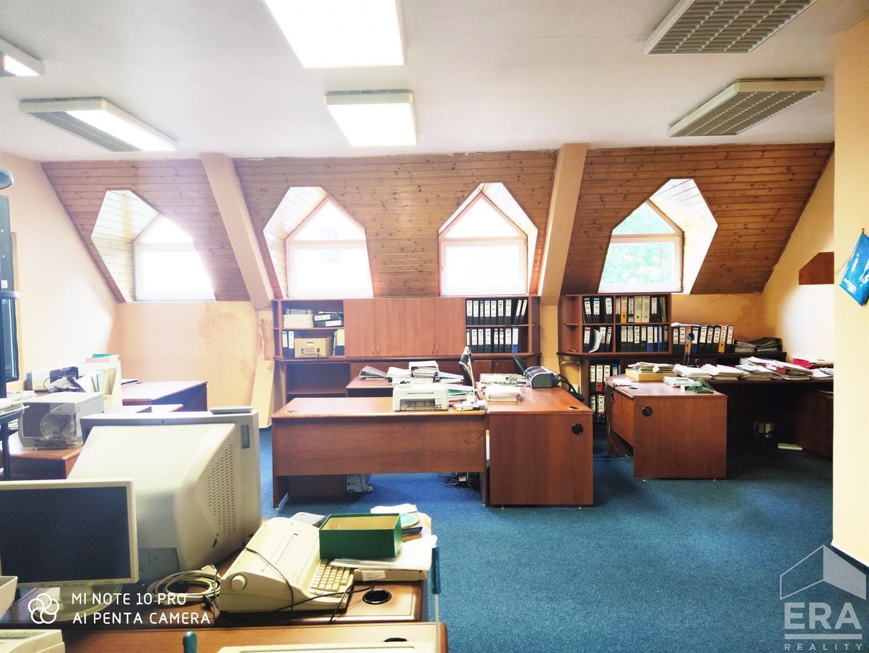 Pronájem kanceláře a skladových prostorů 520 m²