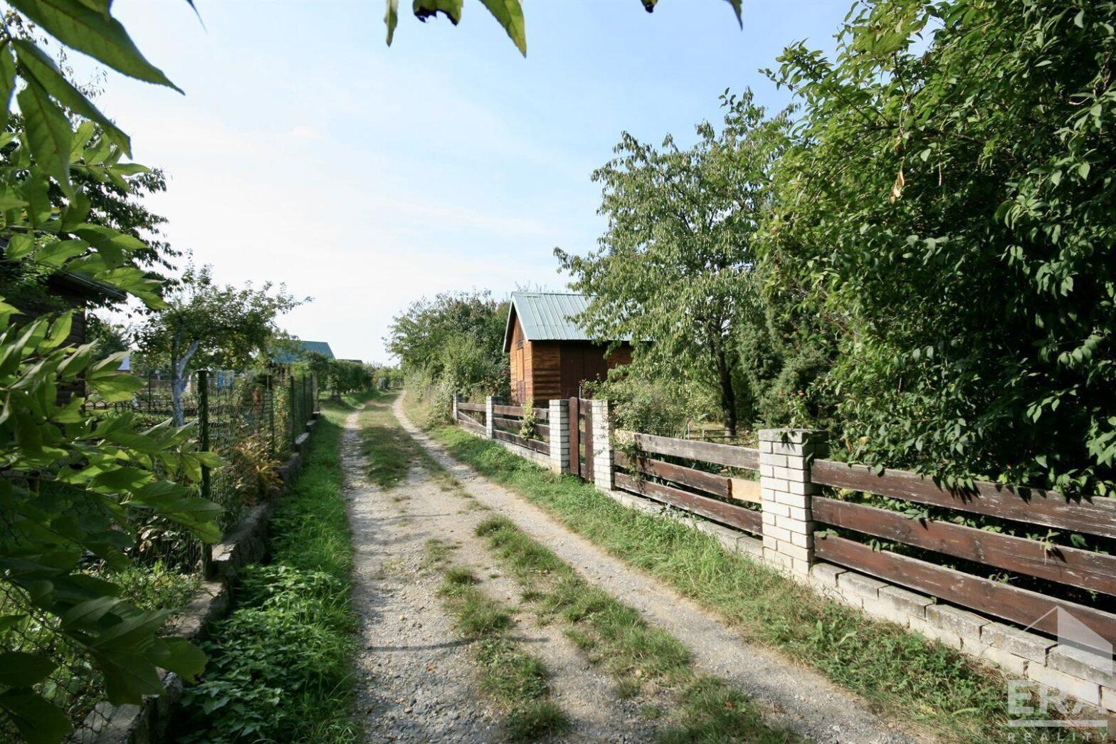 Chata v zahrádkářské osadě na Zbraslavi – Praha 5