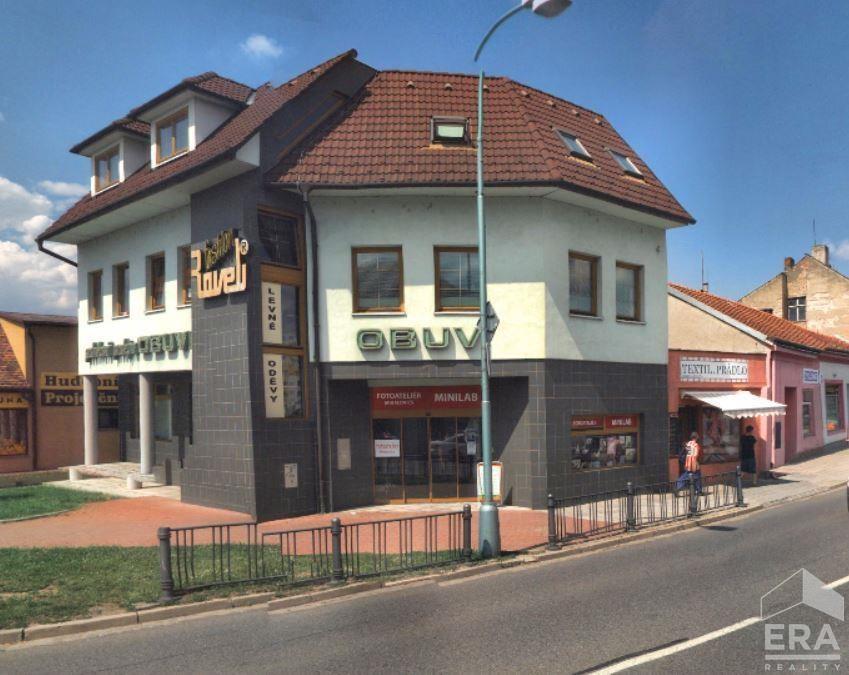 Pronájem komerčních prostor, kanceláře, obchodní prostory v centru Veselí nad Moravou