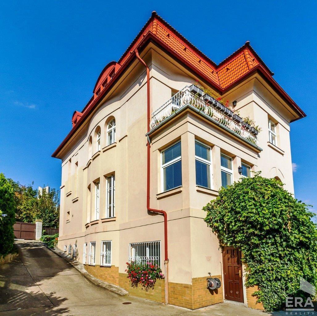 Prodej stylové vily v rezidenční lokalitě, Praha 5