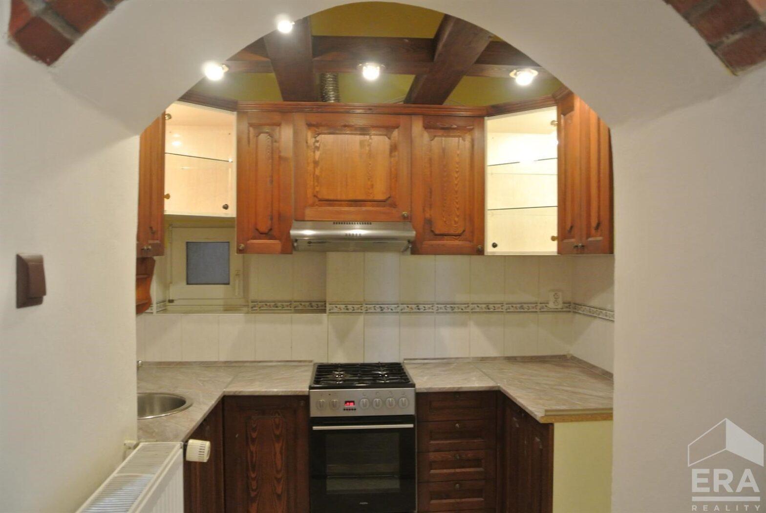Excluzivní nabídka útulného bytu 3+1 v klasickém stylu za atraktivní cenu 66 555 Kč/m2 v Libni