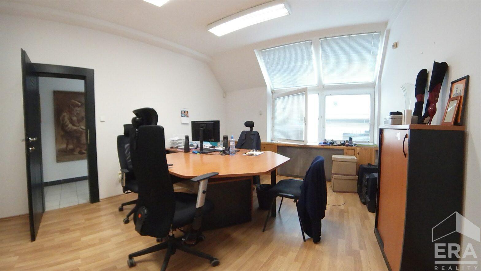 Pronájem kancelářských a skladových prostor, ul Rostislavova 23, Praha 4 – Nusle