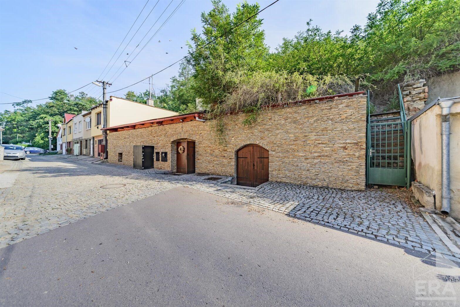 Prodej špičkového sklepního vinařství s UP 720 m2 ve Znojmě