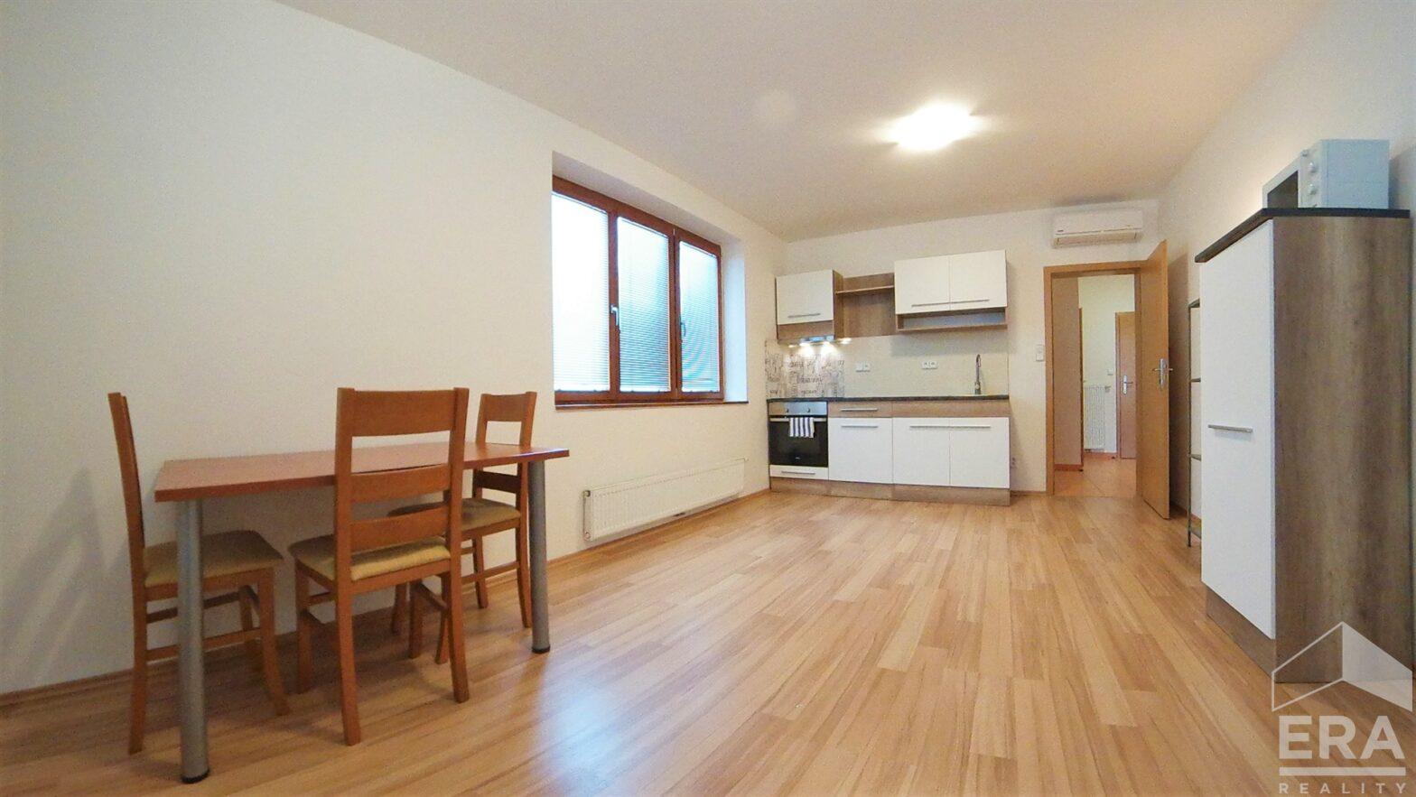 Pronájem bytu 2+kk, 57m2, ul. Velflíkova 10, Praha 6 – Dejvice