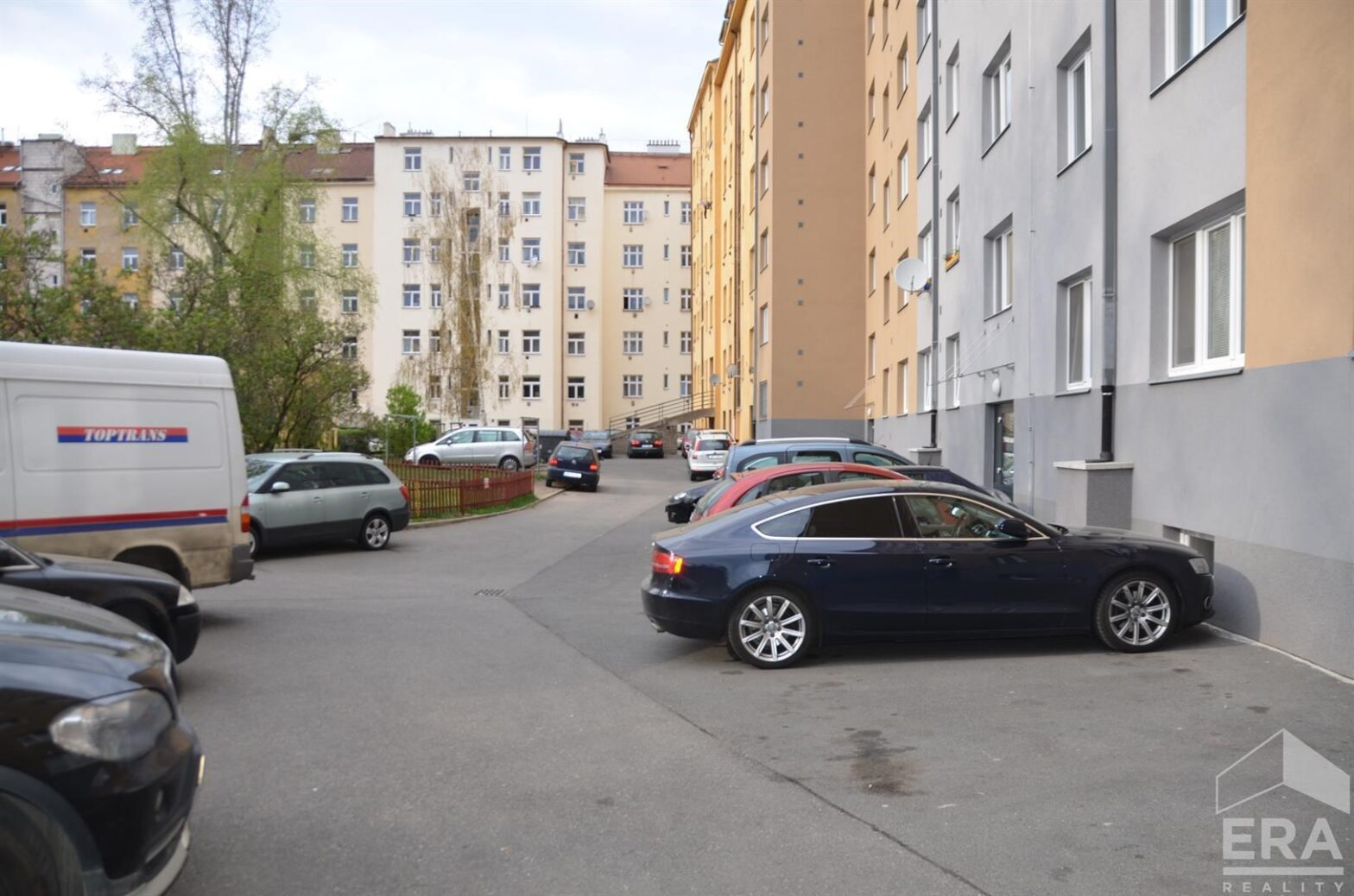 Exklusivní nabídka prostorného bytu 3+kk, 73 m2+B 2 m2 ve Vršovicích  ul.Na Louži                                                                                          Cena:  5 750 000 Kč