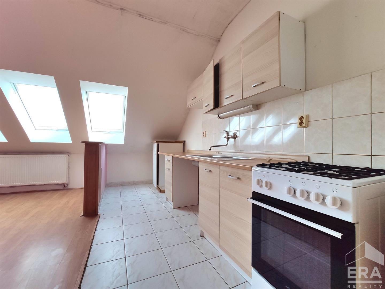 podkrovní byt 3+kk, 80m2 – ul. Hvězda