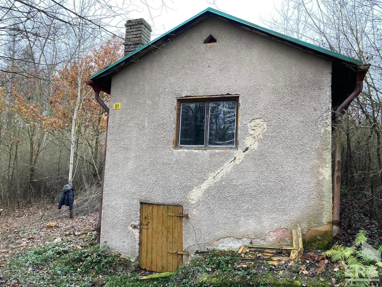 Prodej chaty v klidné lokalitě u lesa