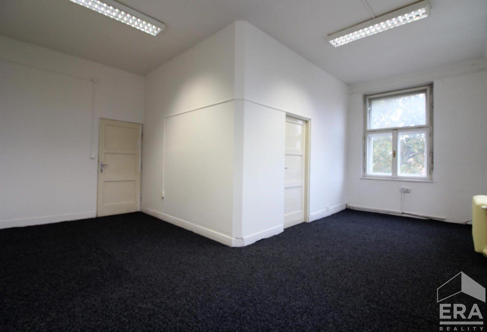 Pronájem kanceláří 43,8m2 (23,8m2+20m2), Dvořákova 13, Brno