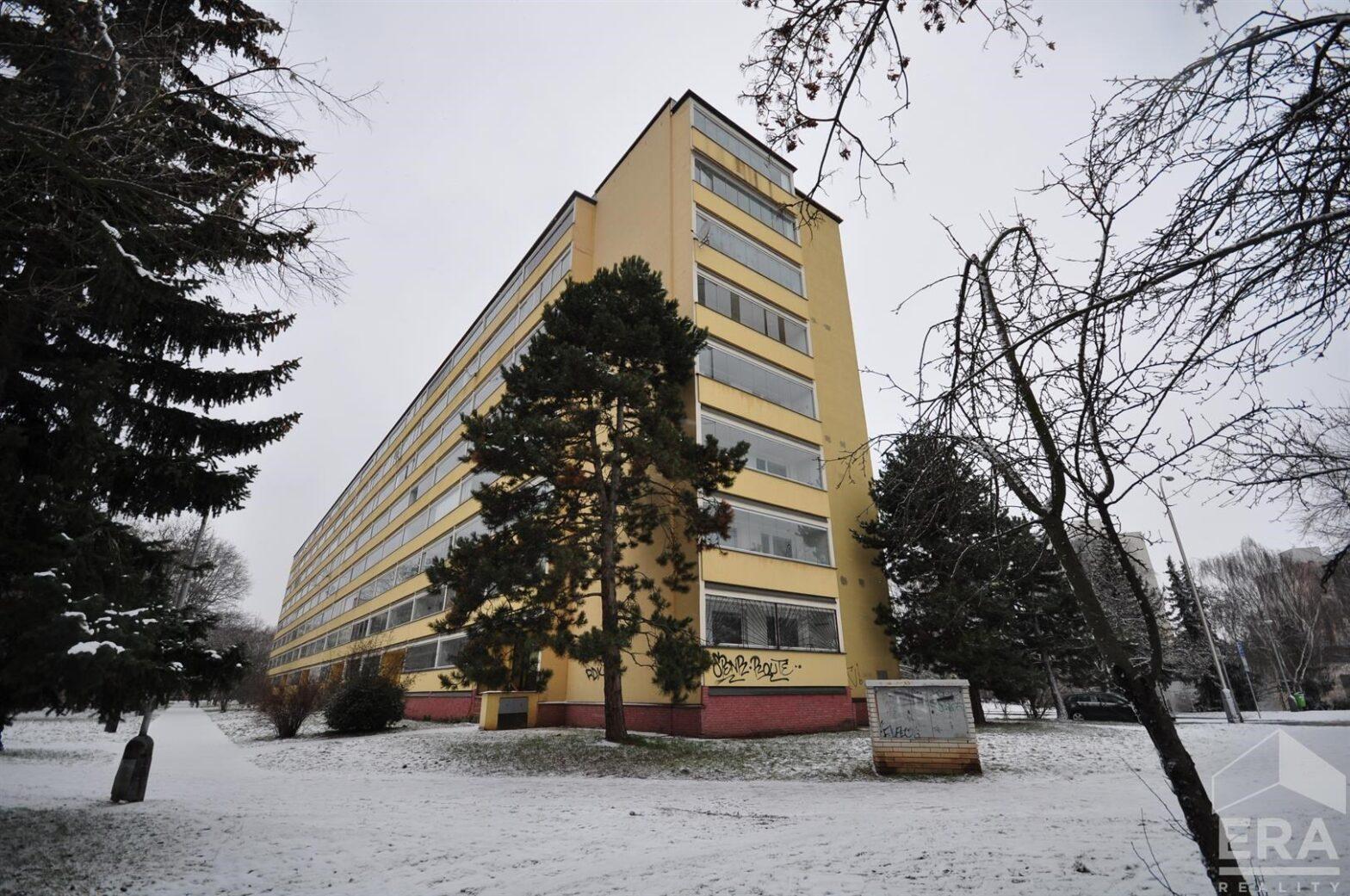PRAHA STŘÍŽKOV, BYT V OV 1+1 S LODŽIÍ, 40,2 m²