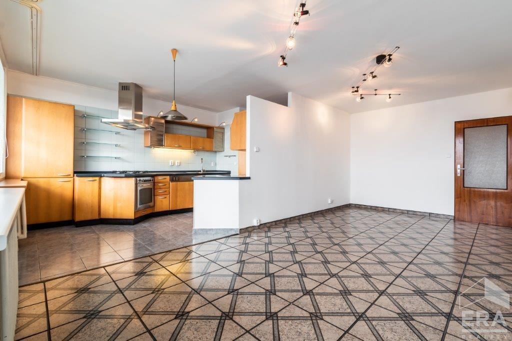 PRODÁNO – Prodej bytu 4+kk s lodžií a sklepem,  91 m2,  ul. U Stírky, Praha 8 – Libeň