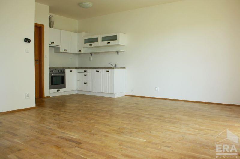 Pronájem bytu 2+KK, 50m2, Praha 9 Kyje