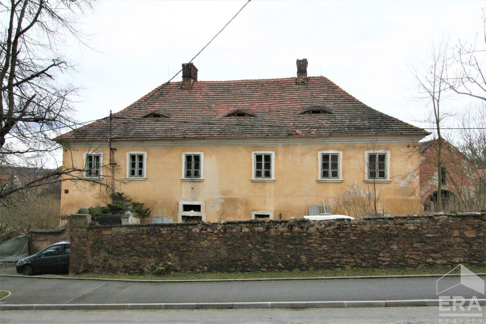 Prodej bývalé fary, 348 m2, pozemek 2632 m2, Plzeň-Malesice