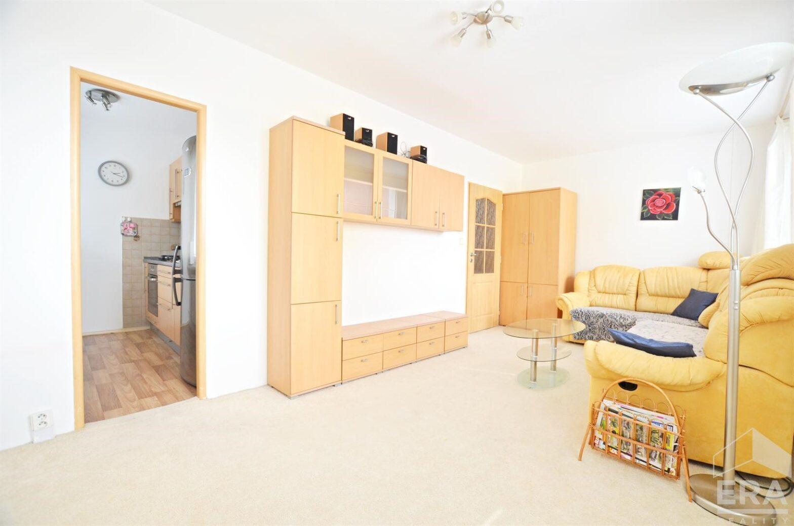 Pronájem bytu 2+1, Praha 8 Kobylisy