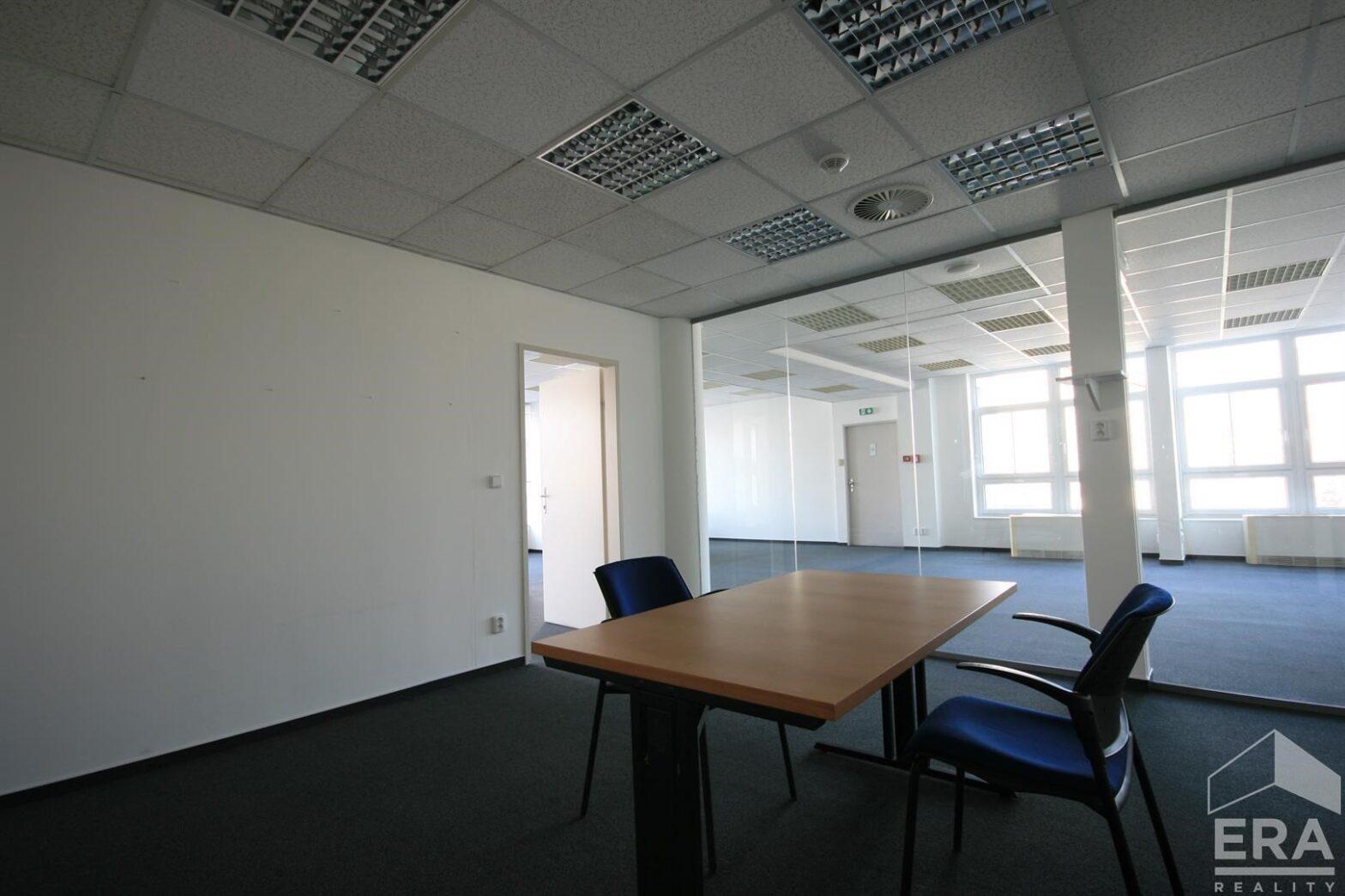 Pronájem kancelářských prostor 200 m2, Na Maninách, Praha – Holešovice