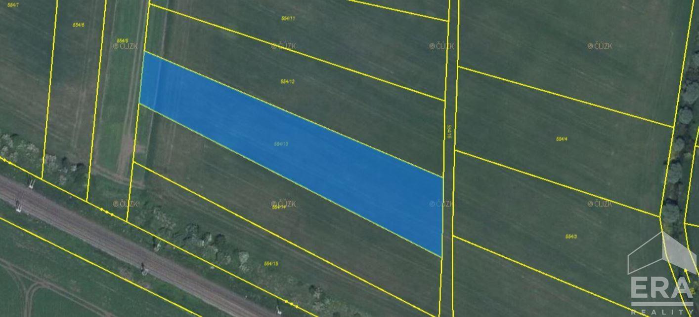Prodej podílu ve výši 2/3 orné půdy