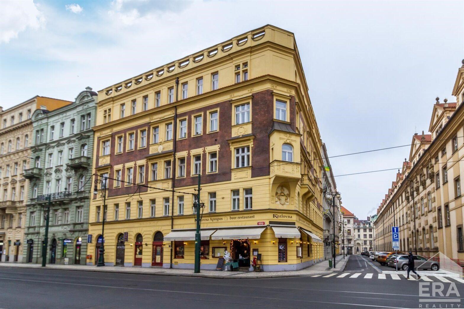 Pronájem kancelářských prostor 143m2 v Praze Platnéřské ulici