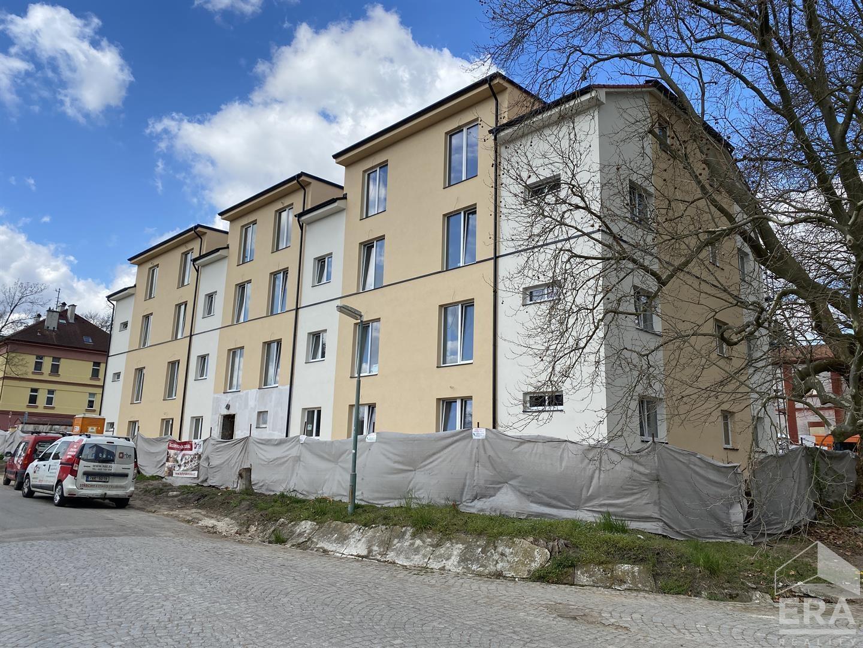 Prodej novostavby bytu 2+KK, s balkónem, 87 m2, Milovice – Rakouská