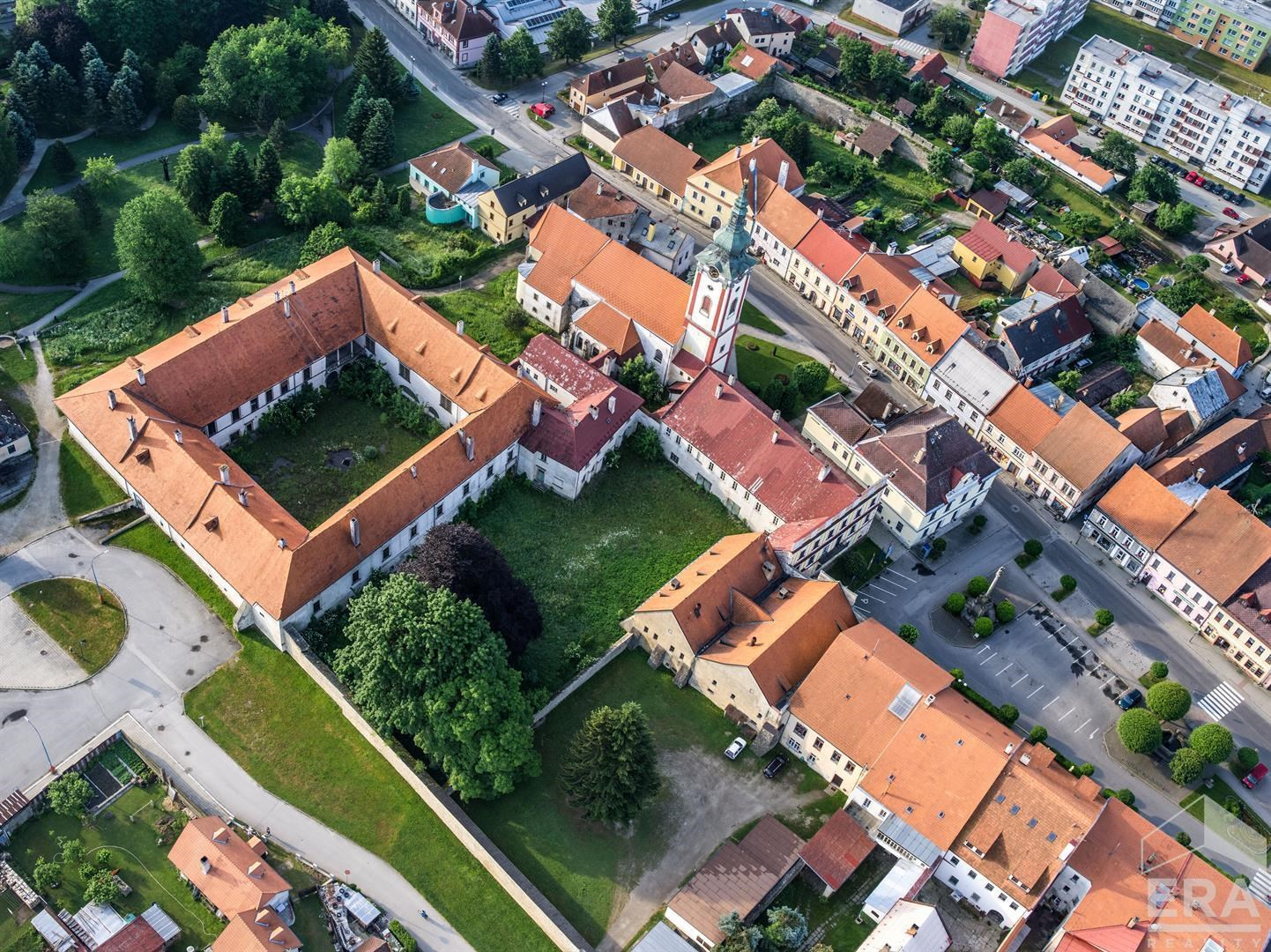 Zámecký komplex Nová Bystřice