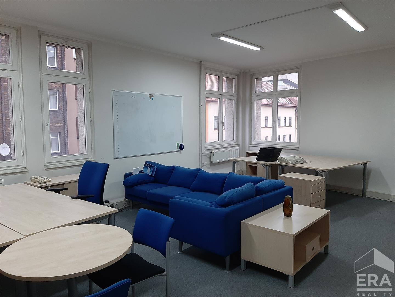 Pronájem patra kanceláří, UL – Pařížská, 225 m2
