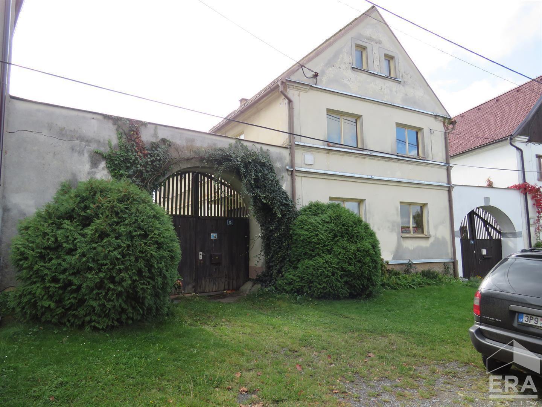 Prodej dvougeneračního rodinného domu 4+2, 1 167 m2, Krsy, okres Plzeň – sever