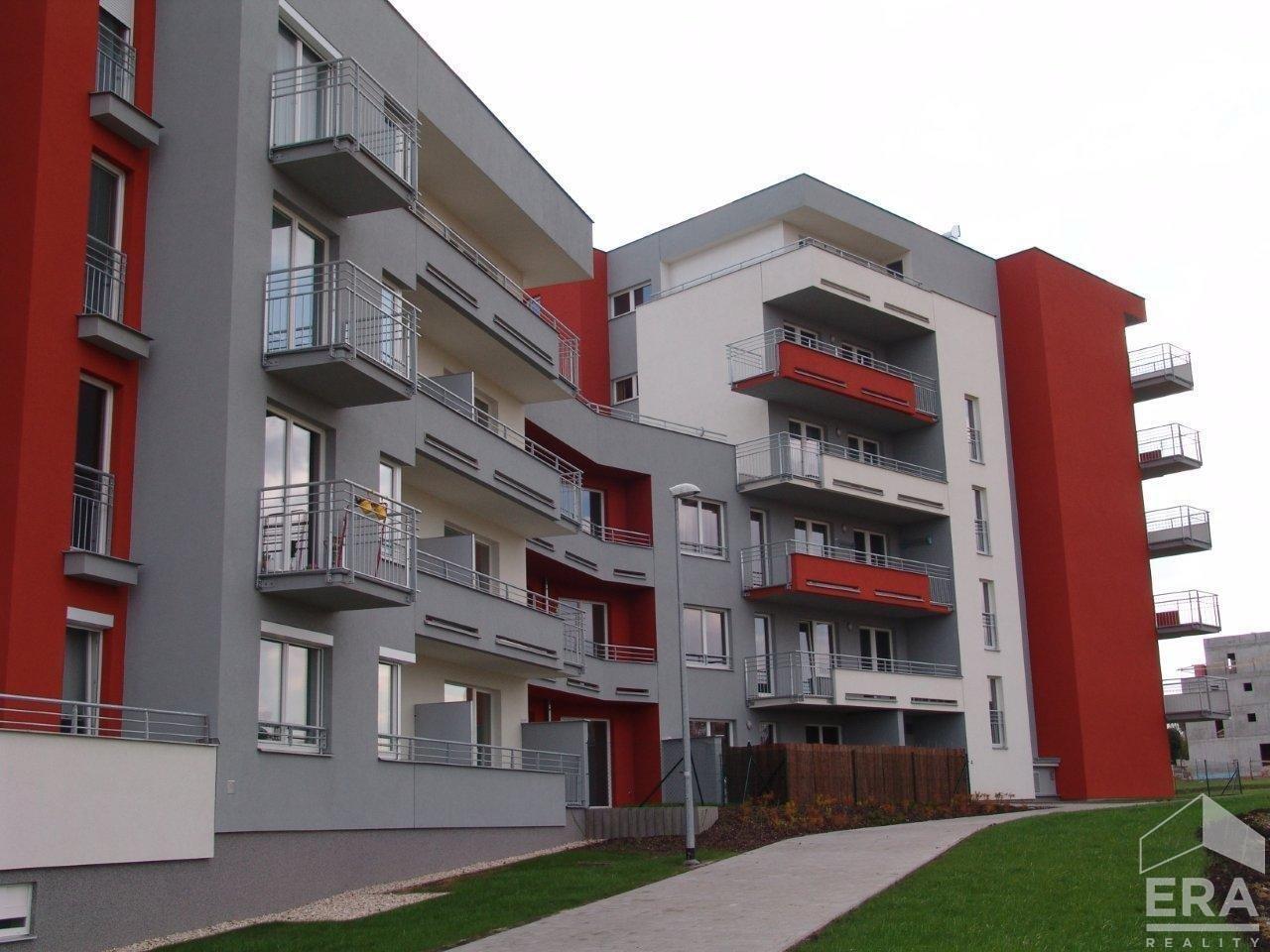 Prodej bytu 1+kk, 32 m2, ul. Pavla Beneše 742/16, Praha – Letňany